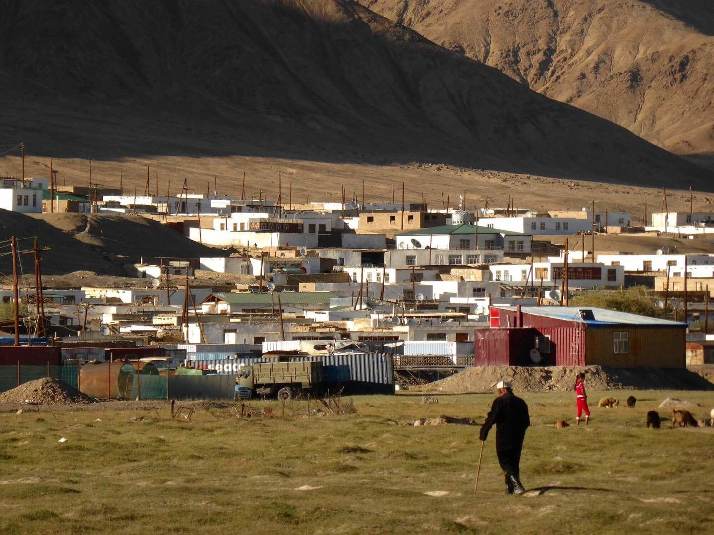 Murgab panorama of houses in Pamir Highway tour