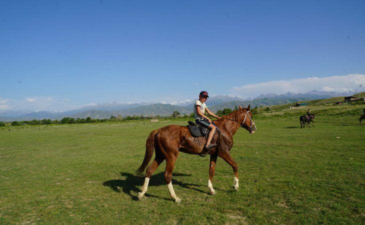 horse-riding-holidays-kyrgyzstan-central-asia