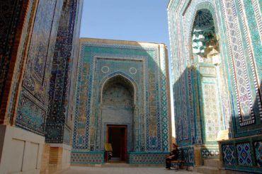 Shakhi ZInda burial place of the medieval royals of Samarkand, Uzbekistan history, silk road travel