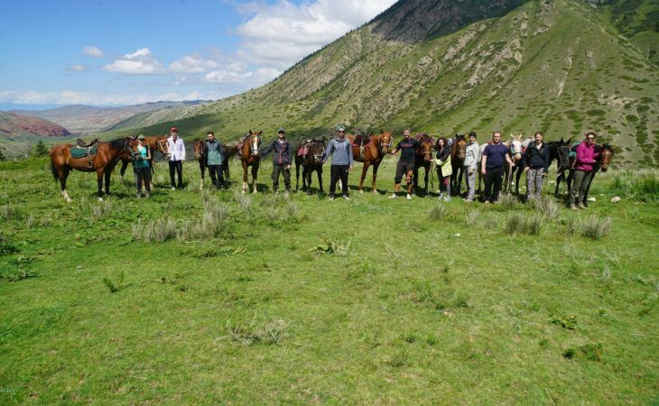 group photo in kyrgyzstan during nomad university tour