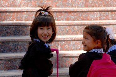 Children in school uniform - Uzbekistan