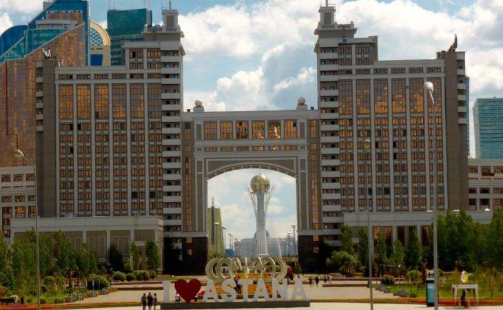 view of Baiterek from Khan Shatyr kazakhstan tour
