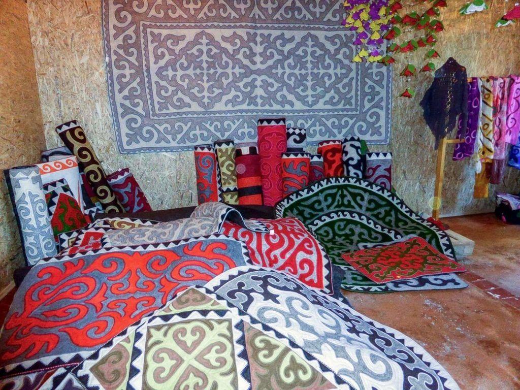 Central Asia, Kyrgyz carpet ornaments