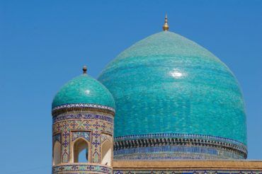 Uzbekistan blue domes of Timurid architecture-tourist attractions