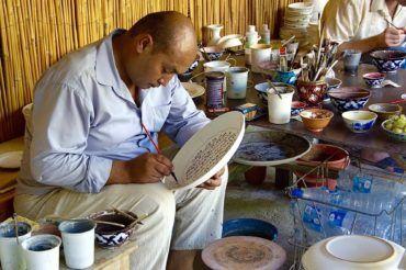 Hand painted rishtan ceramic-Uzbekistan travel tips