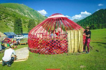 Kyrgyzstan, yurt stay