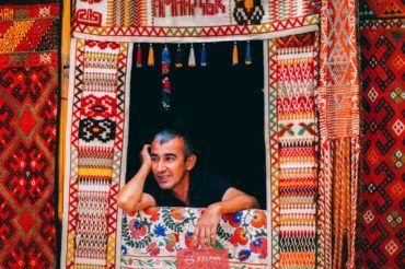 Uzbekistan, Silk Road trader