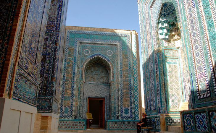 shahizinda, ancient necropolis of Samarkand, still amazing today travel Uzbekistan