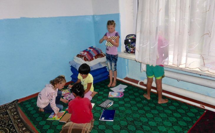teach english in kyrgyzstan-volunteer