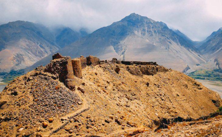 Picture of Yamchun fort, Tajikistan, Ruins of the wall