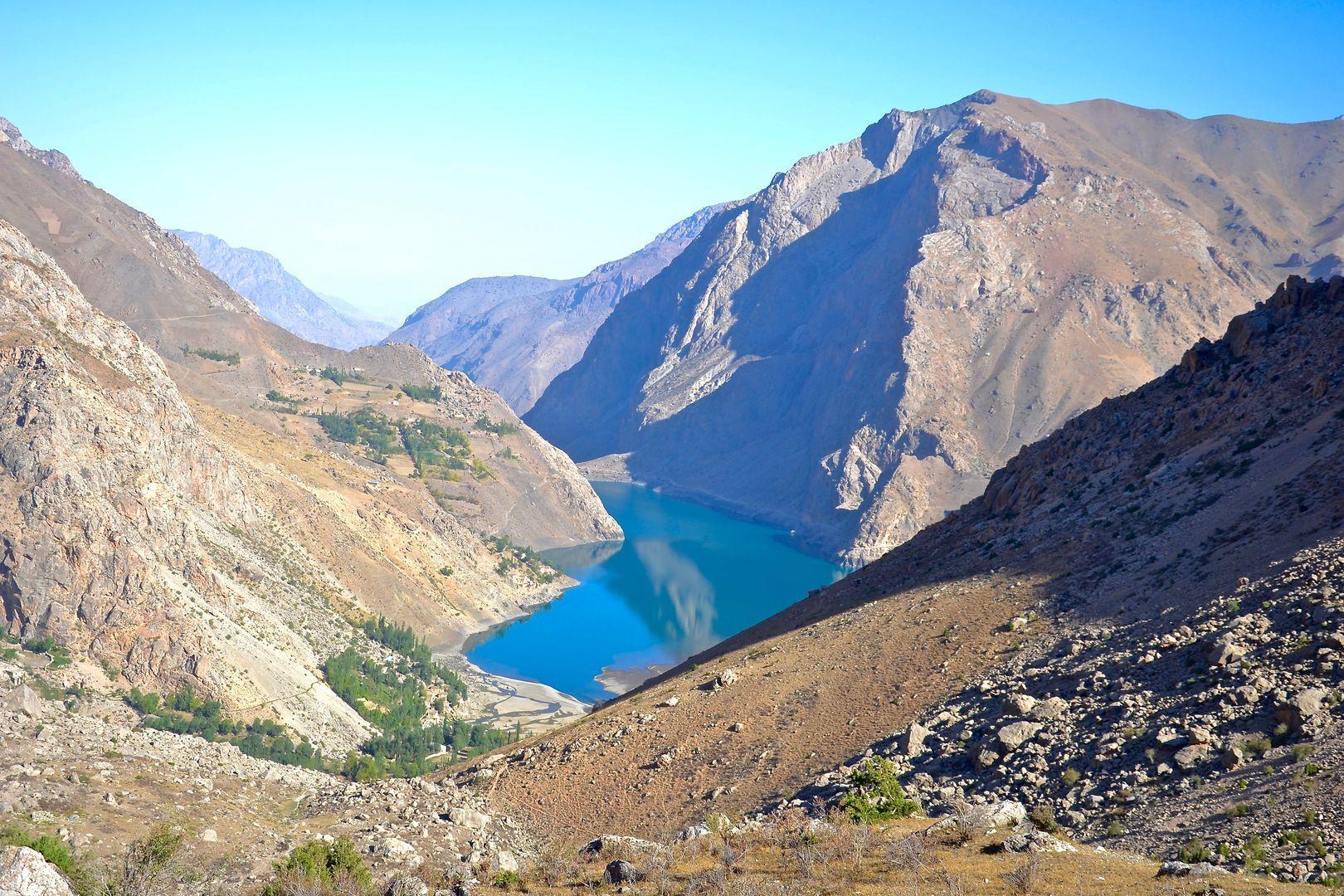 mountains seen as if in physical map-Fann mountains Tour in Tajikistan
