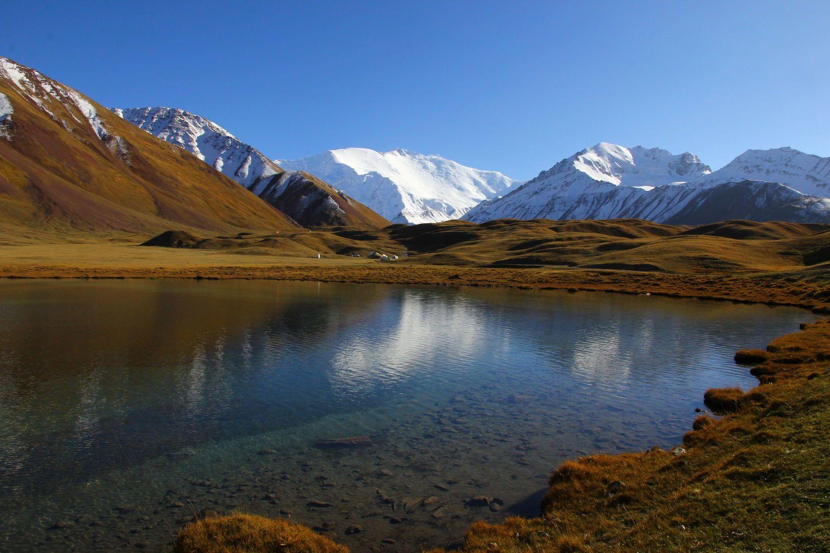 view of Tulpar Kul lake during Tajikistan-kyrgyzstan tour