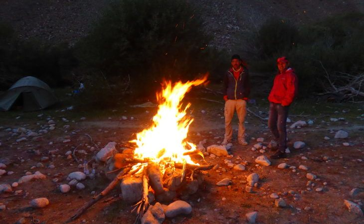 making fire during pamir highway tour