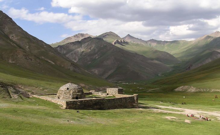 tash rabat caravanserai in kyrgyztsan tour