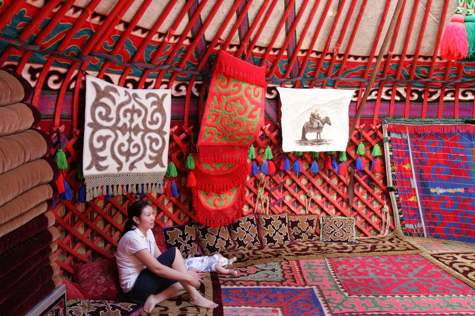 inside decoration of the yurt