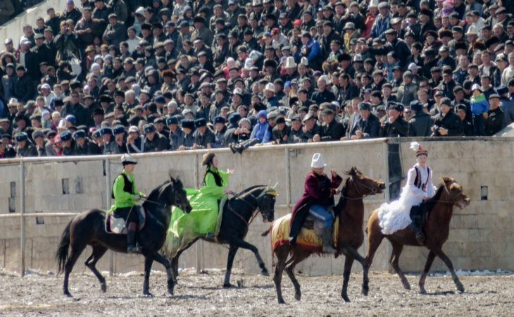 National horse games with girls in Bishkek