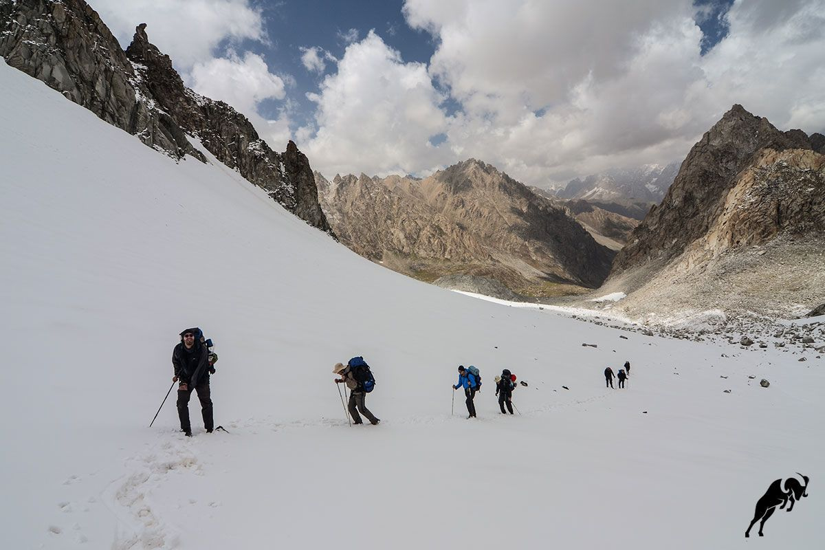 Trekking in the Fann mountains with snow in Tajikistan Tour