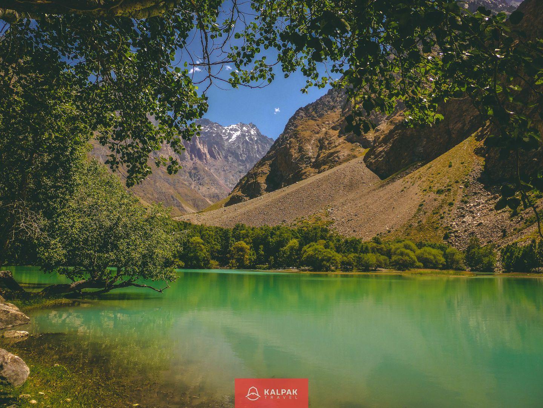 Zentralasien top 10 Sehenswürdigkeiten, Bergsee in Tadschikistan