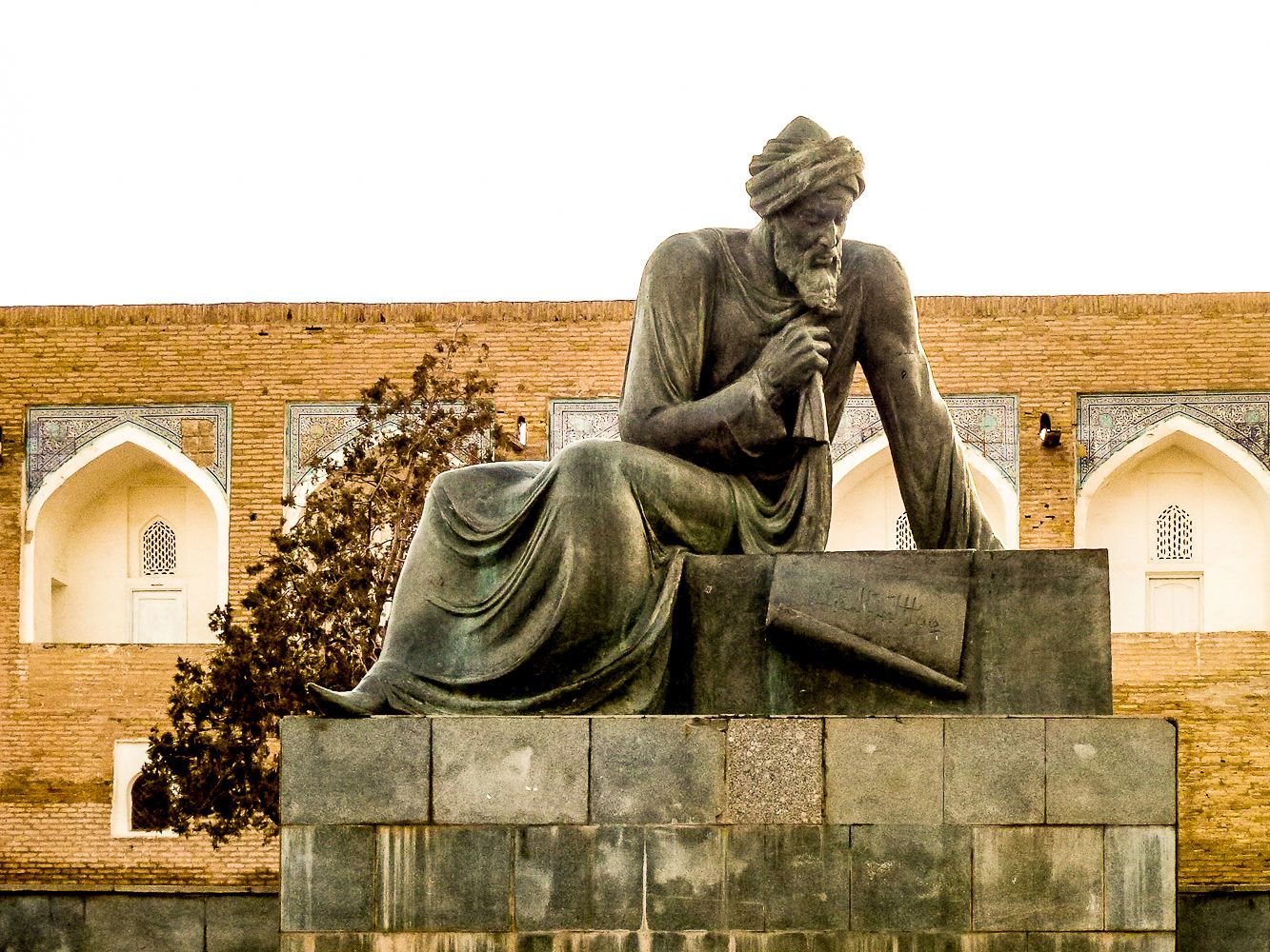 inventor of modern algebra and algorithm lived in Khiva, Uzbekistan