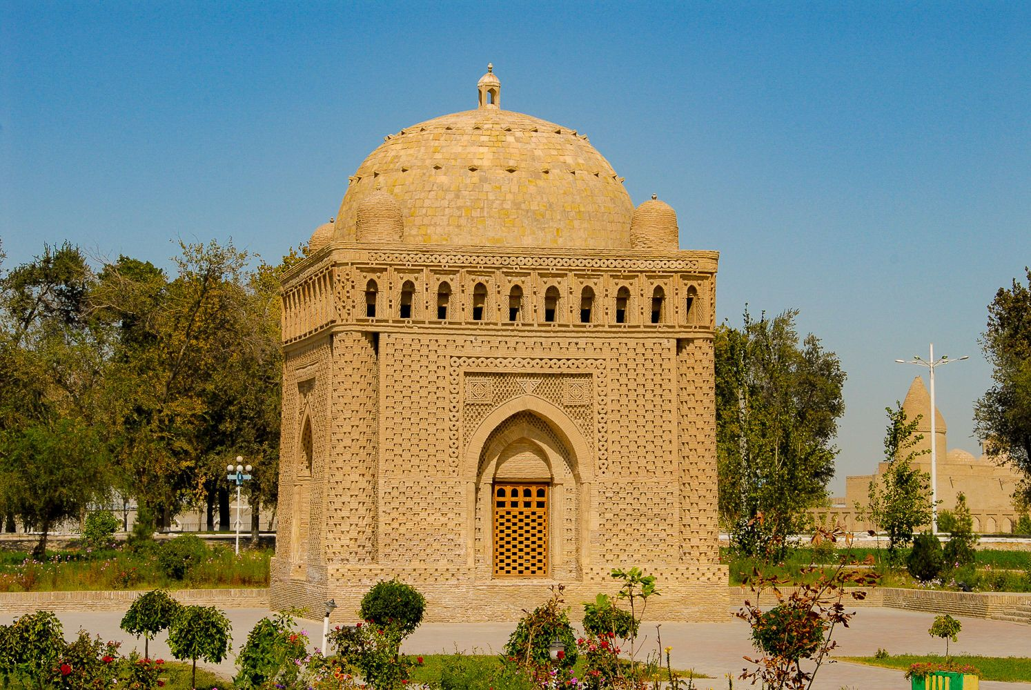 samanid mausoleum Bukhara travel Uzbekistan Central Asia