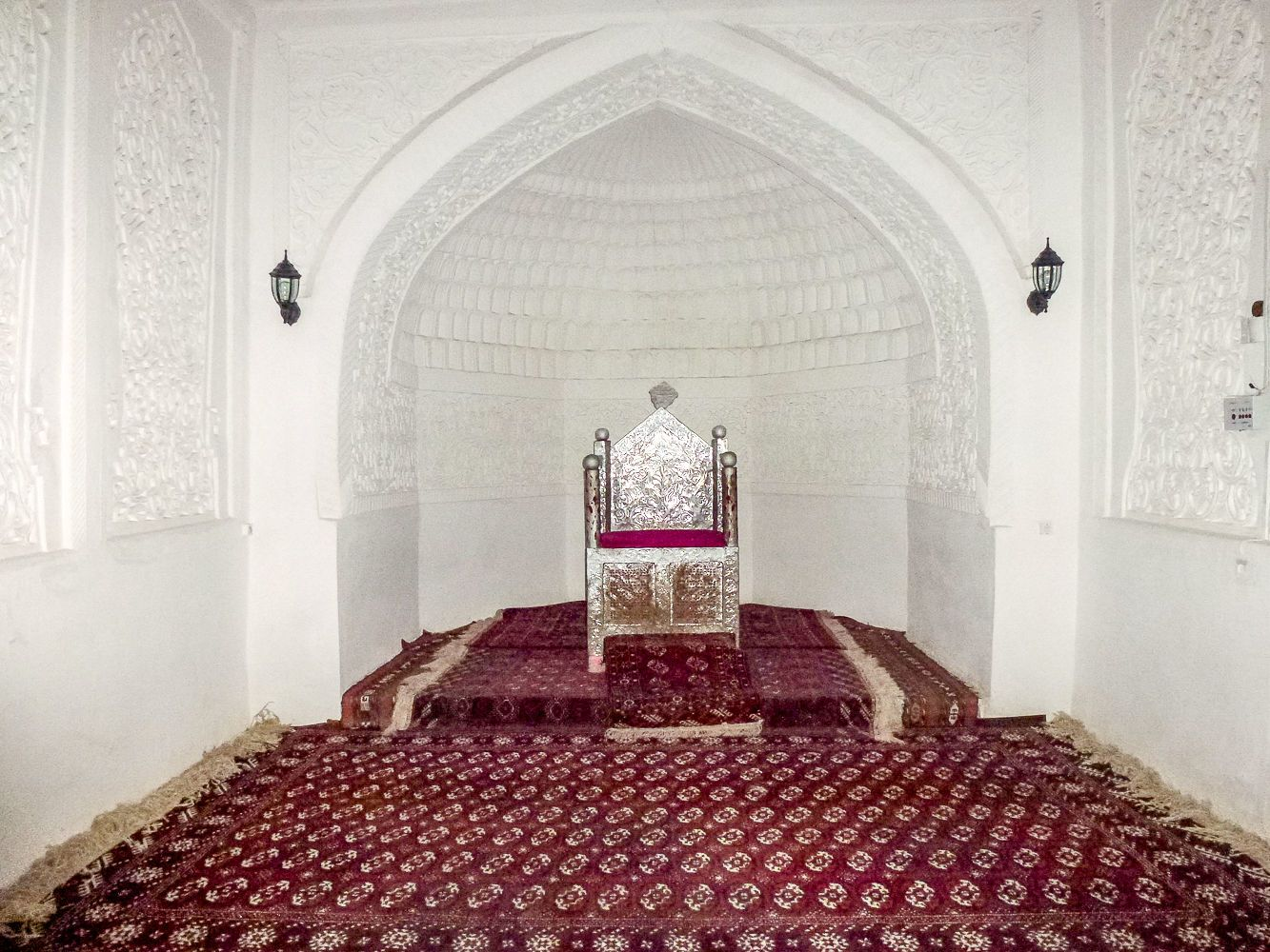Throne of khan in Khiva made out of silver, Uzbekistan tour, Central Asia history