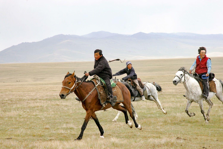 Song Kul Travel, Kyrgyzstan