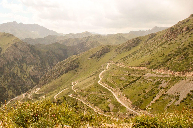 Song Kol, Kyrgyzstan road