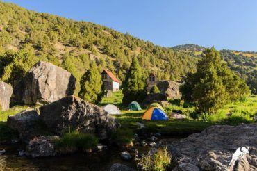Fann mountains alpine camp vertikal