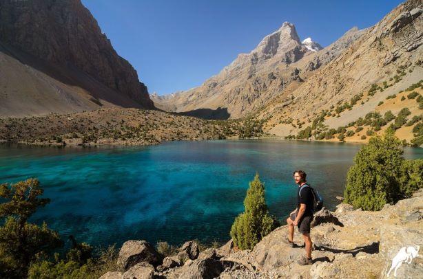 Trekking in Tajikistan Alauddin lake